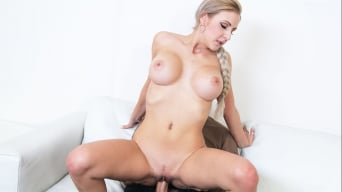 Jessica Hunter in 'Perfect tits blonde gets creampied'